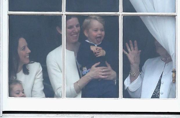 Maria Teresa Turrion Borrallo, babá da família real, com príncipe George (Foto: Getty Images)