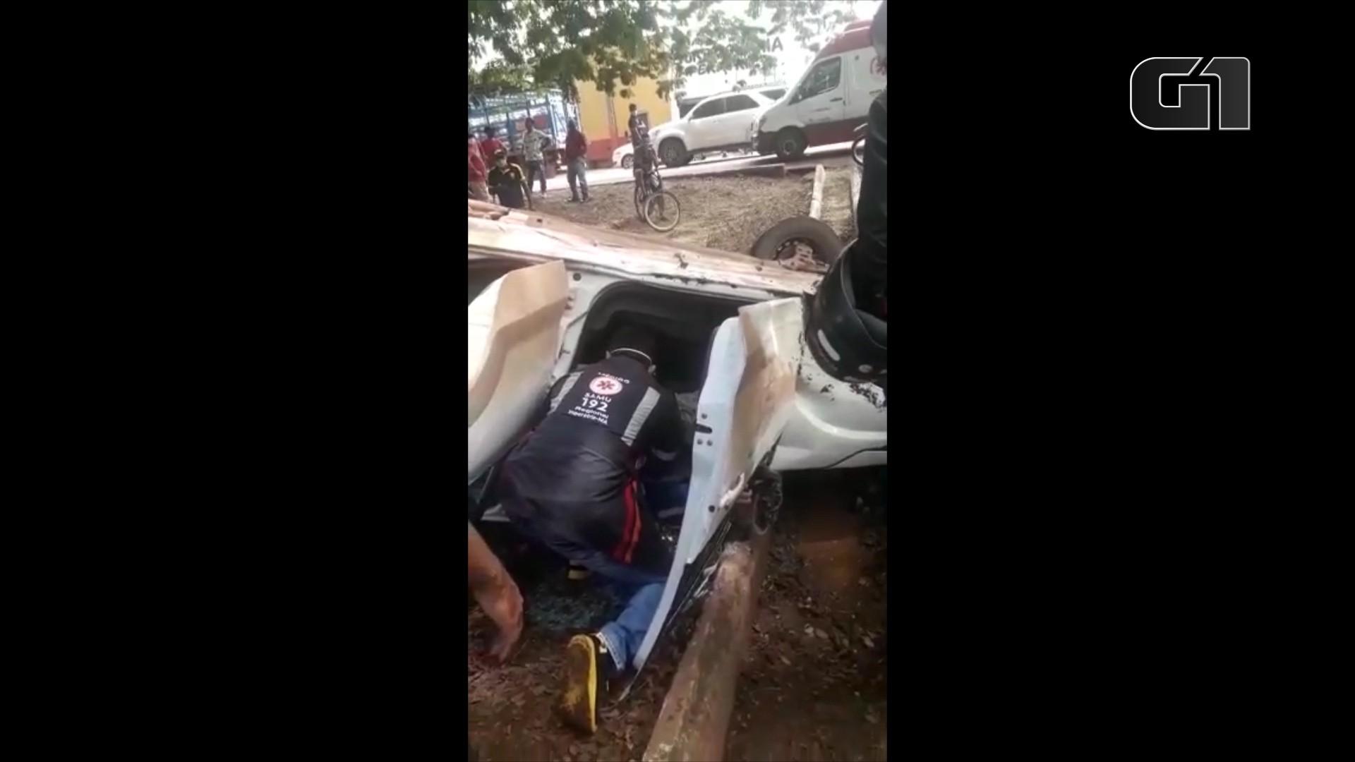 Quatro pessoas ficam feridas em acidente com caminhão da coleta de lixo em Imperatriz