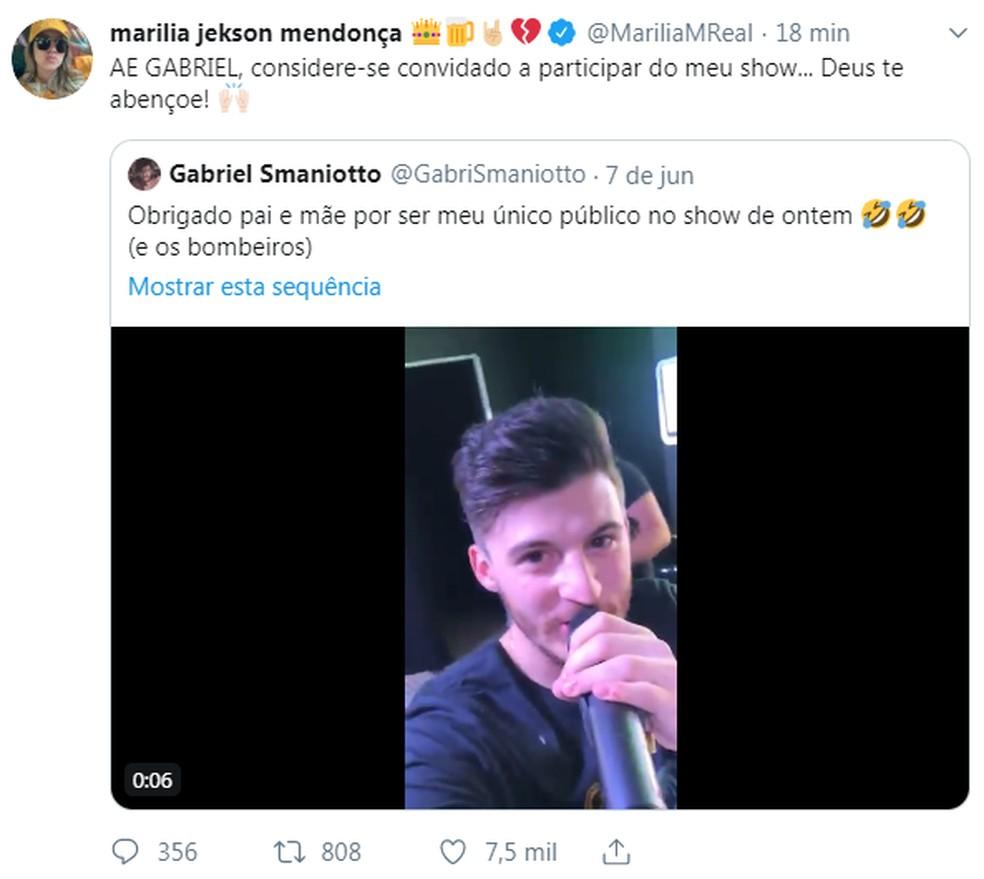 Marília Mendonça chama Gabriel Smaniotto para participar de um show seu — Foto: Reprodução/Twitter