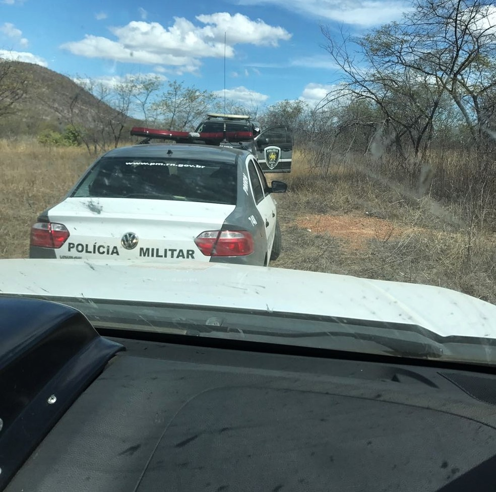 PM faz buscas por criminosos na região Oeste potiguar, entre as cidades de Janduís e Campo Grande (Foto: PM/Divulgação)