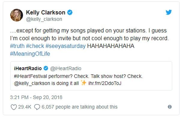 Indireta (bem direta) de Kelly Clarkson (Foto: Reprodução twitter)