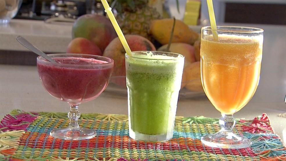 Sucos detox auxiliam na remoção de substâncias absorvidas pelo fígado. — Foto: TV Morena/Reprodução