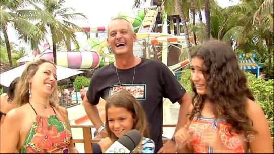 Doido, mas não insano: Lisca é tietado em dia de diversão com família e sonha com Libertadores