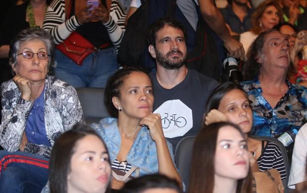 Cássia Kis, Caco Ciocler e Marcos Oliveira (Foto: Daniel Pinheiro/AgNews)