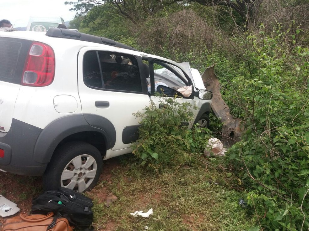 Três pessoas morreram em acidente na BR-135 no Sul do Piauí (Foto: Divulgação / PRF)