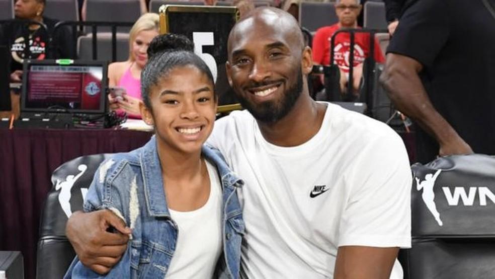 A filha do ex-jogador, Gianna, também morreu no acidente — Foto: Getty Images/BBC