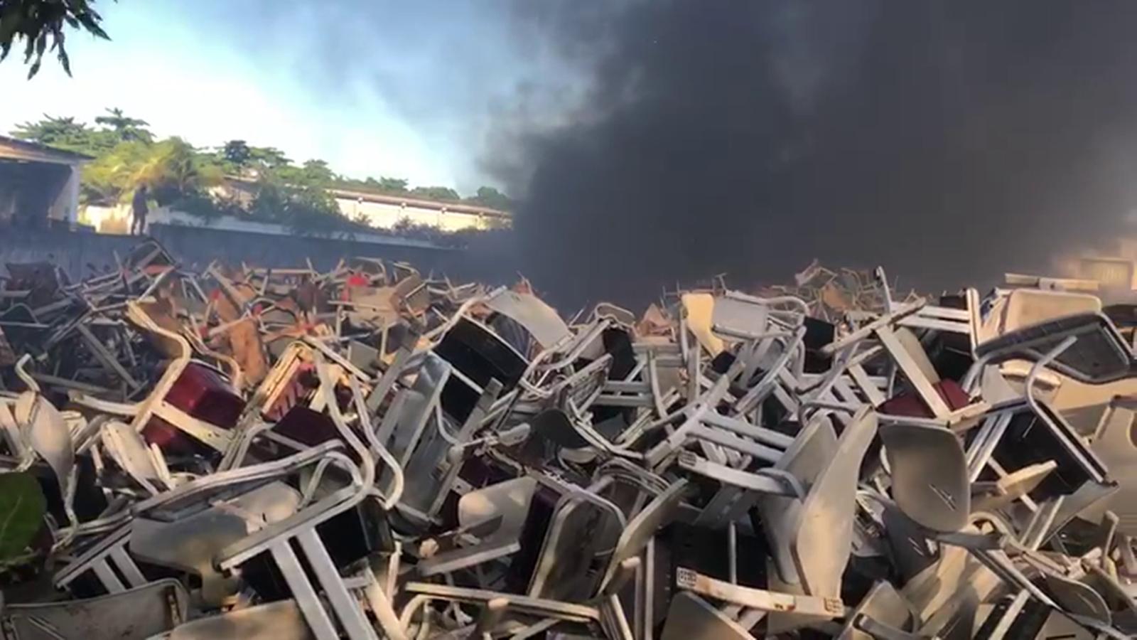 Incêndio em depósito durou mais de quatro horas, em João Pessoa
