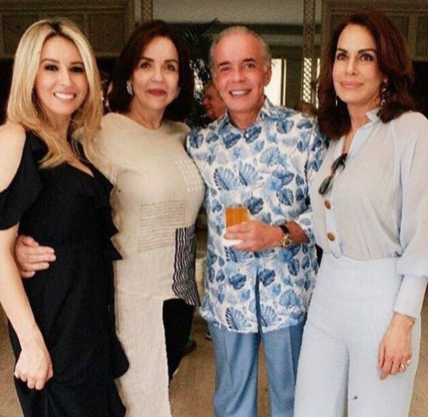 Luana Risério e Chiquinho Scarpa com amigos em casa (Foto: Reprodução/Instagram)