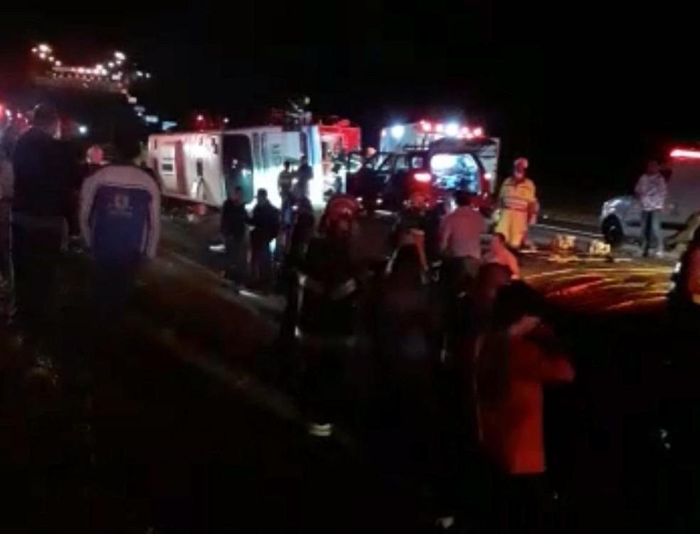 Acidente foi em alça de acesso para a Rodovia Raposo Tavares (SP-270) — Foto: Sandra Martins/Cedida