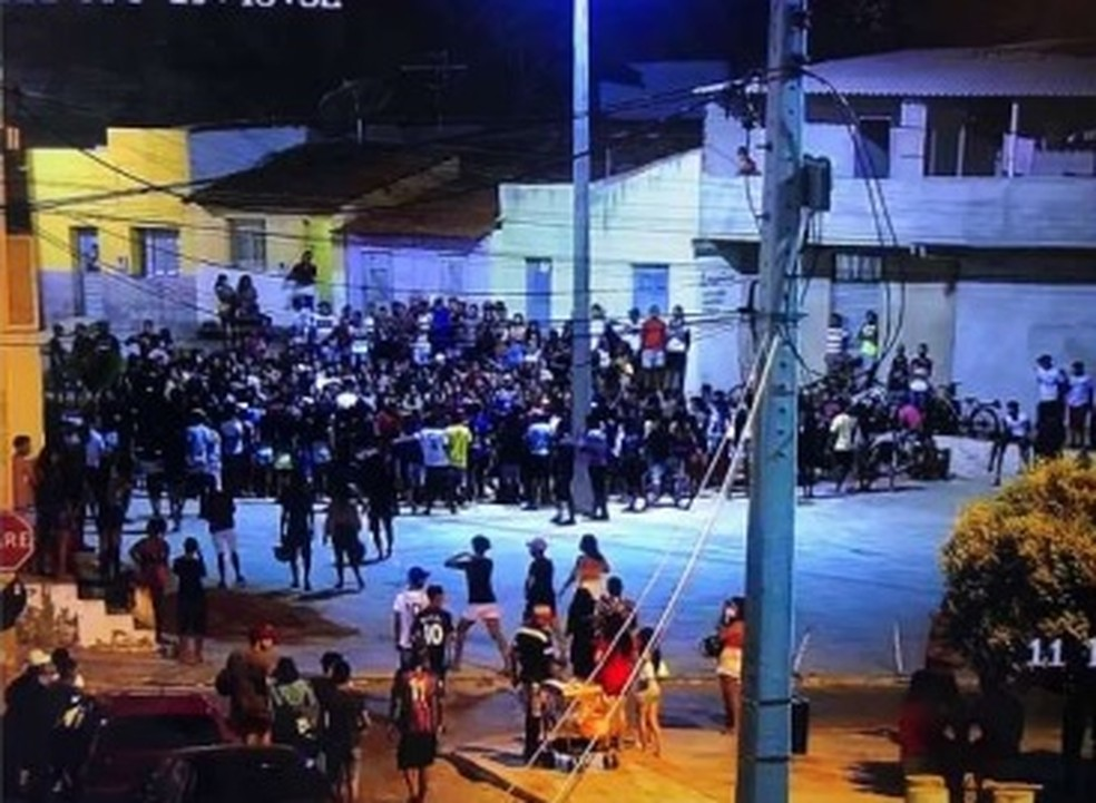 Polícia e órgãos de fiscalização encerram disputa de 'passinho' em Crato — Foto: Reprodução