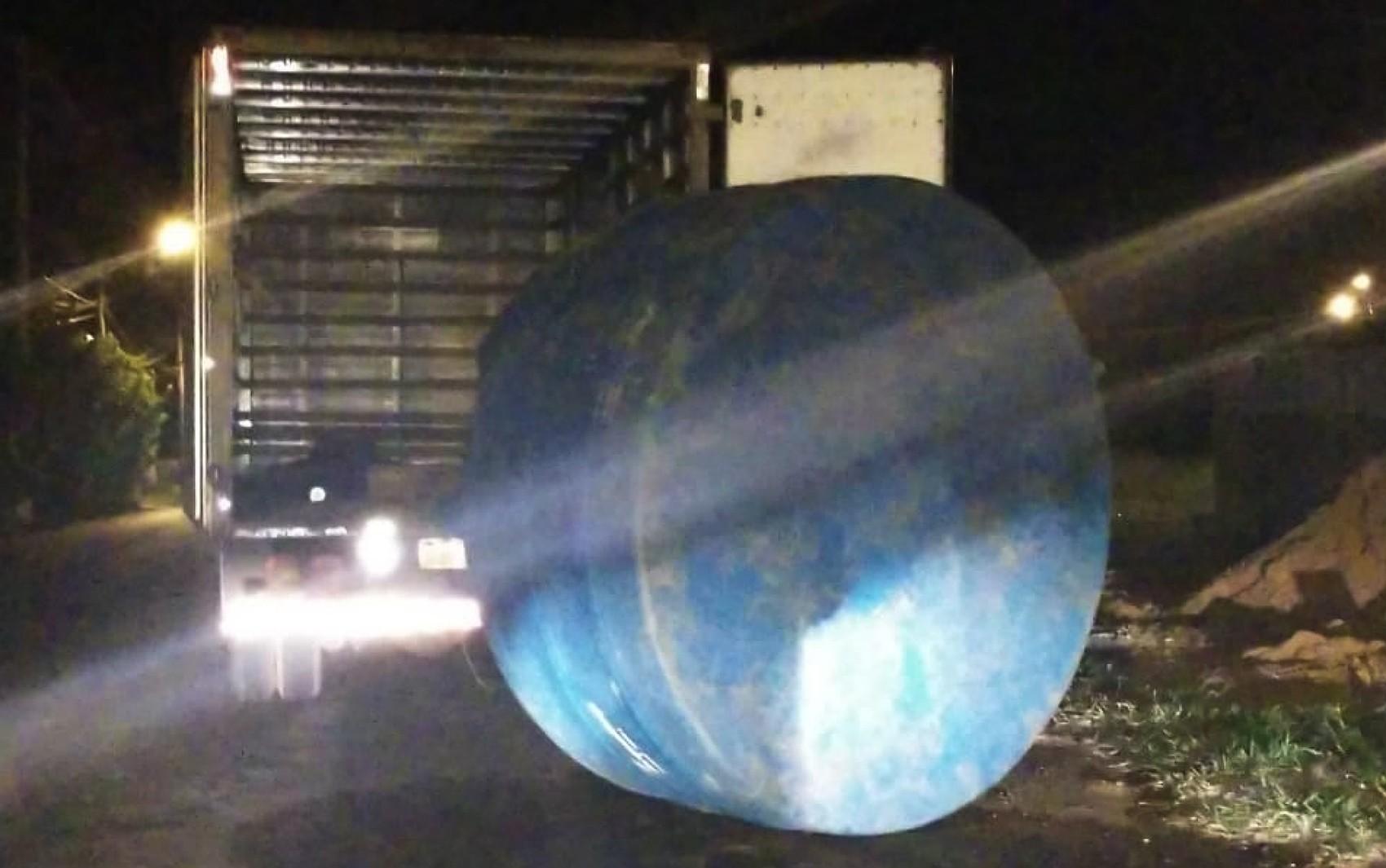 Dupla é detida após tentar furtar caixa d'água de construção em Franca, SP  - Noticias
