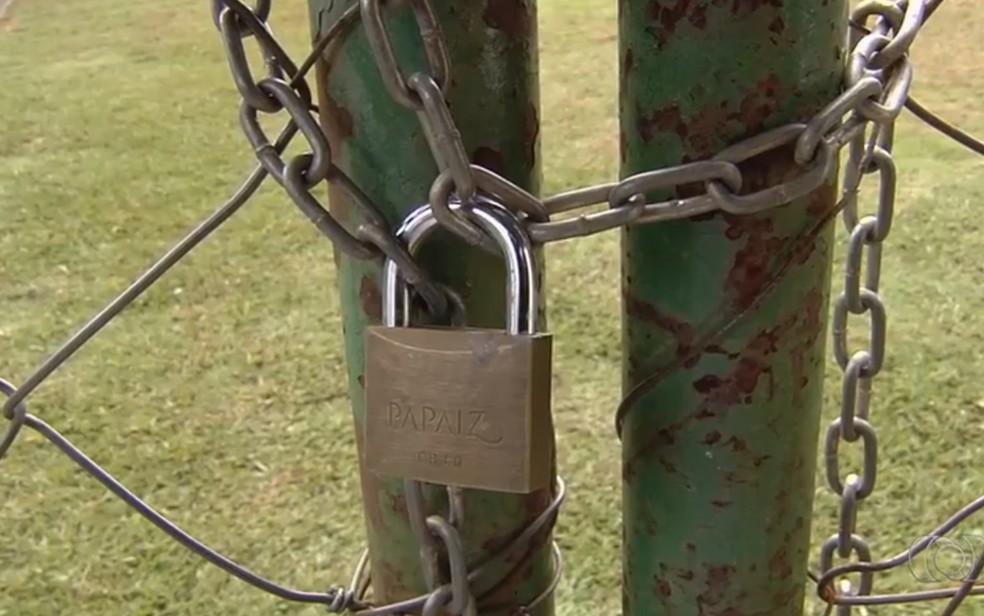 Síndico tomou medidas para evitar riscos de ataque aos moradores, em Goiânia (Foto: Reprodução/TV Anhanguera)