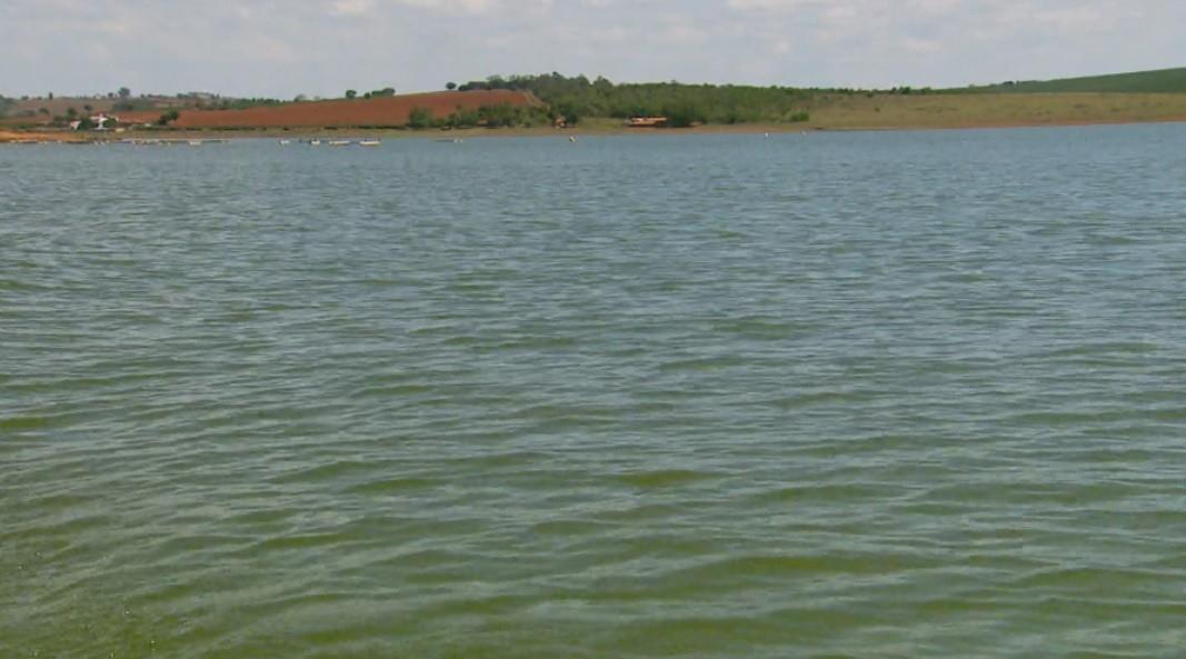 Após mobilização de moradores e políticos, Lago de Furnas atinge cota mínima 762