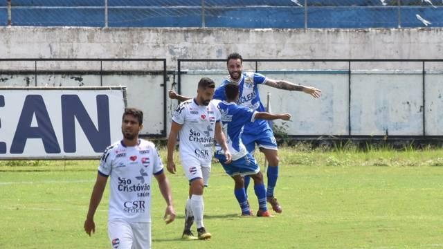 Taubaté x Nacional, Caio Mancha comemora segundo gol sobre o Nacional