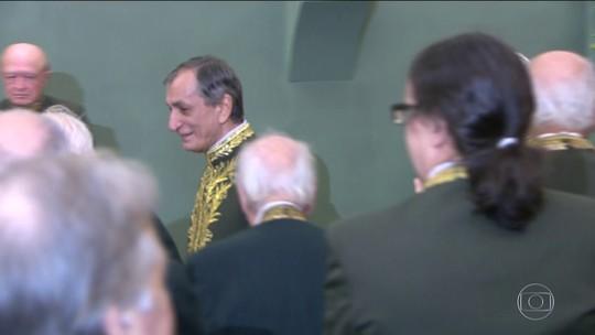 Antonio Cicero toma posse na Academia Brasileira de Letras