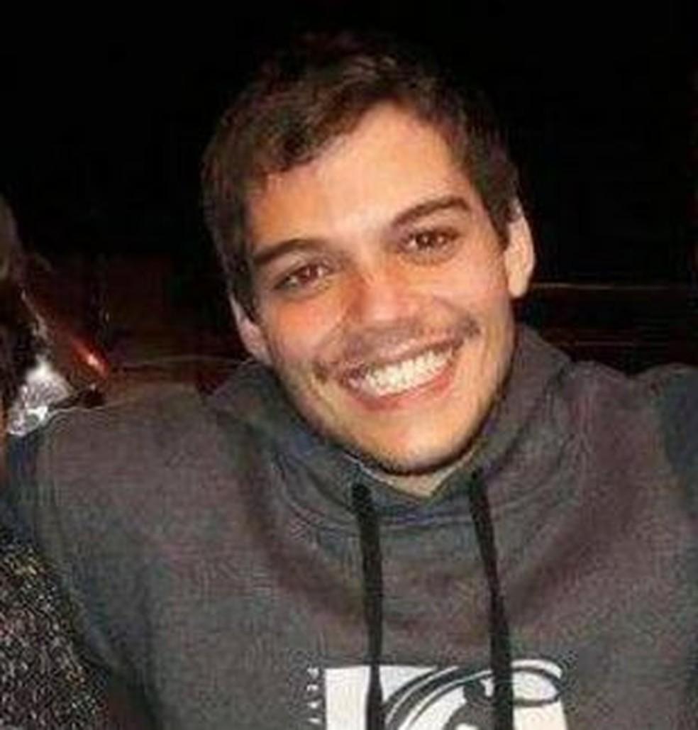 Gabriel Freire Rodrigues Croce Pereira, de 22 anos, que estava desaparecido em Santos — Foto: Reprodução/Facebook