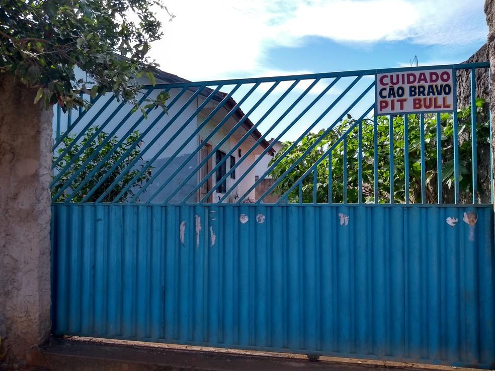 Ataque aconteceu no quintal da família, em Vilhena, RO  — Foto: Eliete Marques/G1