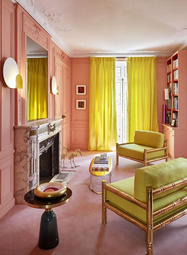 Cores ousadas brilham neste apartamento  (Foto: Rouge Absolu/Divulgação)