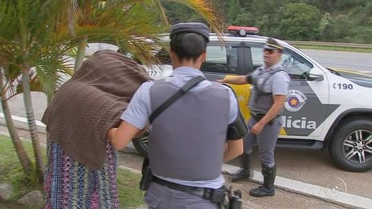 Boliviana detida é hospitalizada por ter engolido dezenas de cápsulas de cocaína