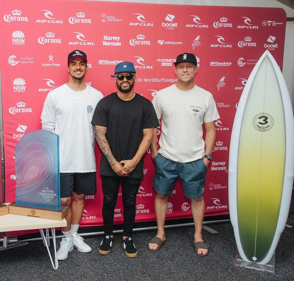 Medina, Italo e Mick Fanning na coletiva de imprensa na etapa de Sydney — Foto: Dunbar / WSL