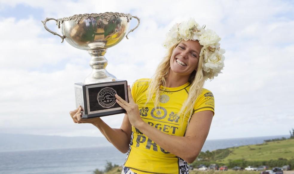 Hexacampeã mundial, Stephanie Gilmore já venceu 3 vezes o evento em Maui, no entanto, o último foi em 2009 (Foto: WSL / KIRSTIN SCHOLTZ)