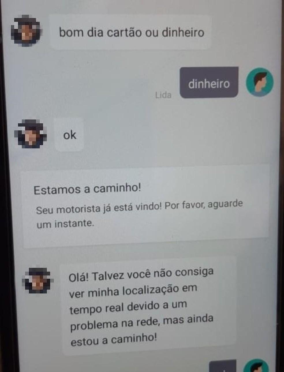 Diálogo entre o suspeito e passageira que estava no carro quando ele foi preso em flagrante na Praia do Futuro após assaltar mulher na rua — Foto: Leábem Monteiro/SVM