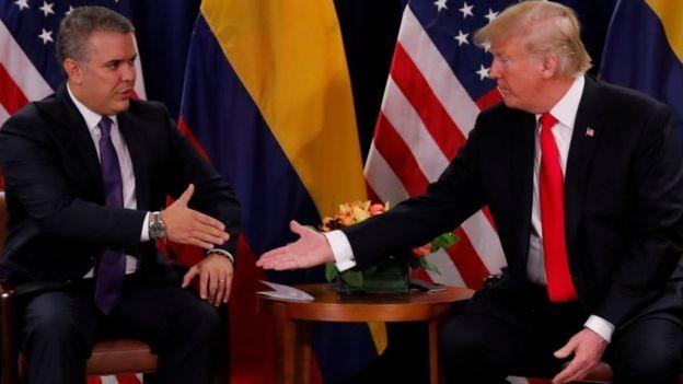 Iván Duque contou com o apoio dos evangélicos durante a campanha na Colômbia (Foto: Reuters via BBC)