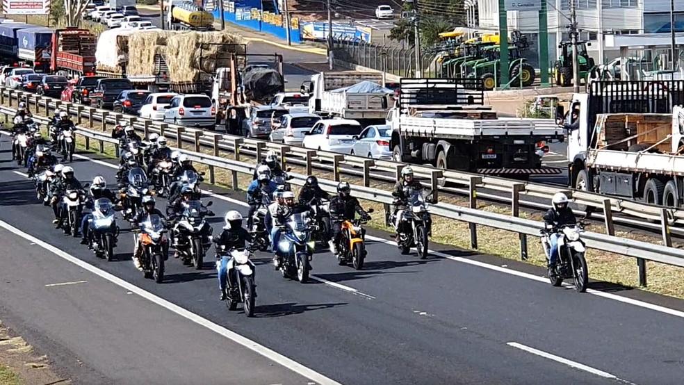 O presidente Jair Bolsonaro participou neste sábado (31) de um passeio de motociclistas em Presidente Prudente — Foto: Stephanie Fonseca/G1