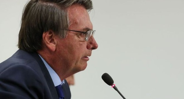 Bolsonaro diz que Brasil pode sair da OMS