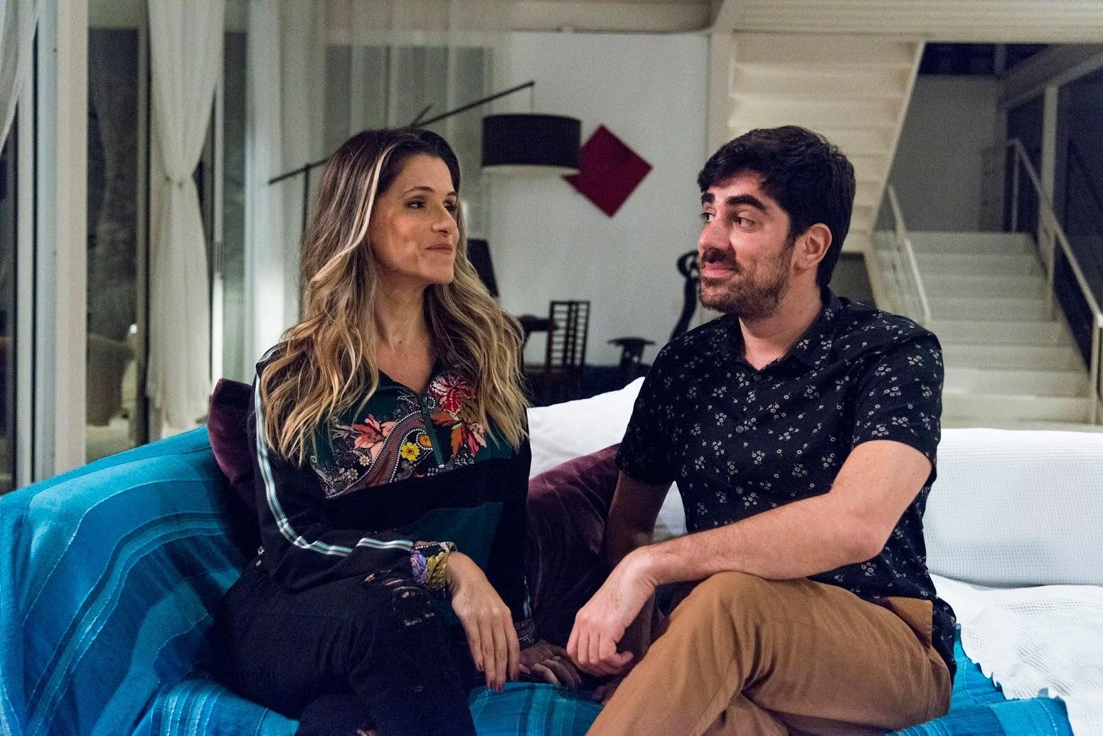 Ingrid e Marcelo Adnet durante as gravações de 'Viver do Riso' (Foto: Reprodução)