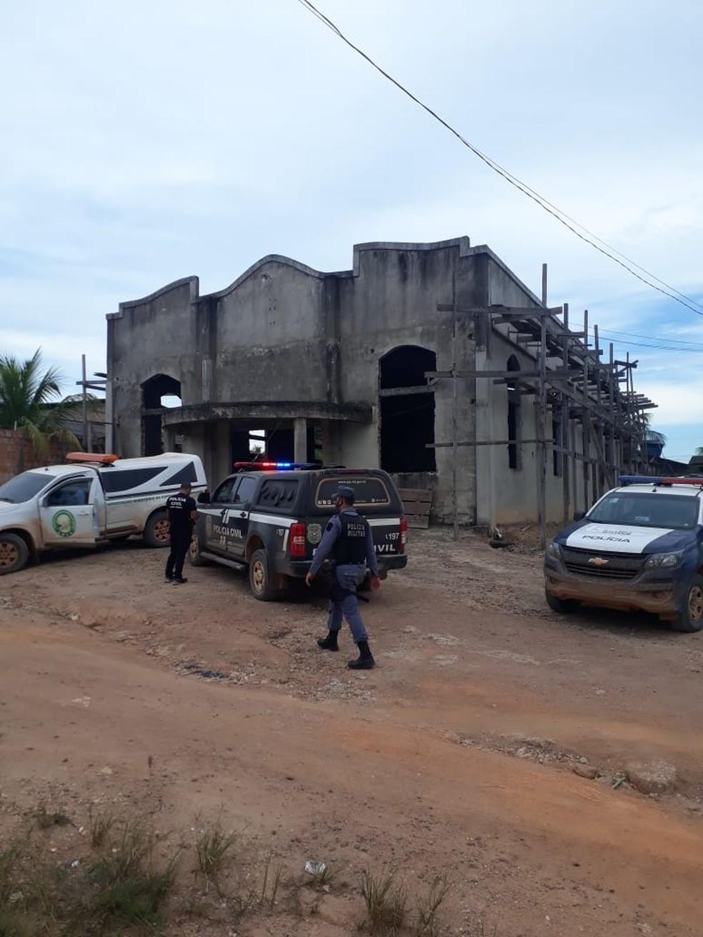 Corpo foi encontrado em igreja em construção — Foto: Polícia Civil