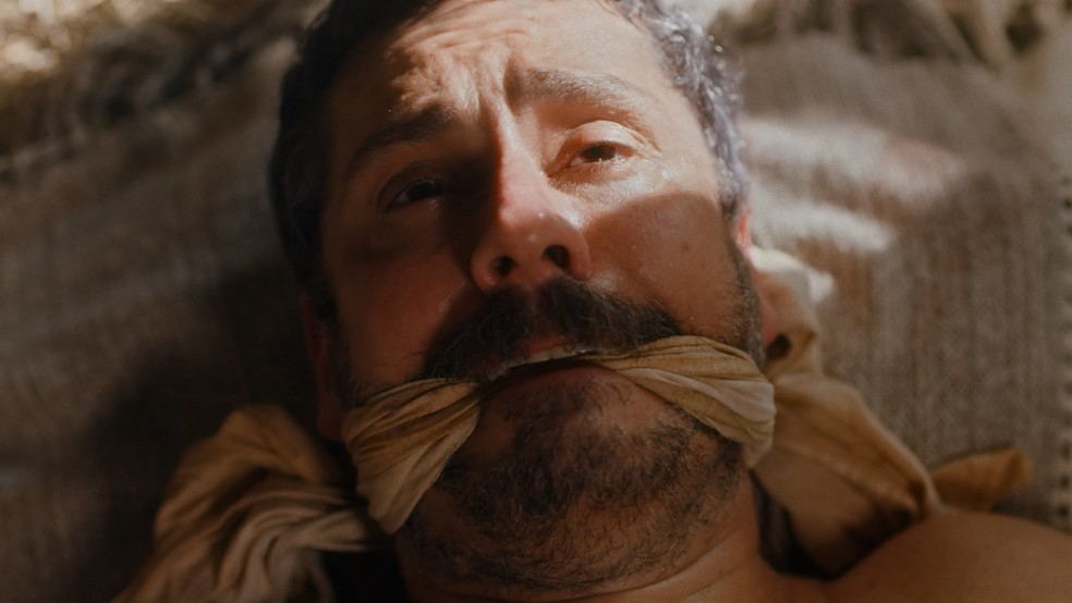 Tonico (Alexandre Nero) será amordaçado em 'Nos Tempos do Imperador' — Foto: Globo