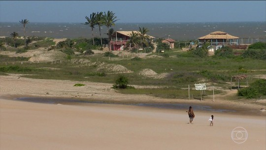 Itaúnas tem belas praias, dunas e é um lugar perfeito pra quem curte forró