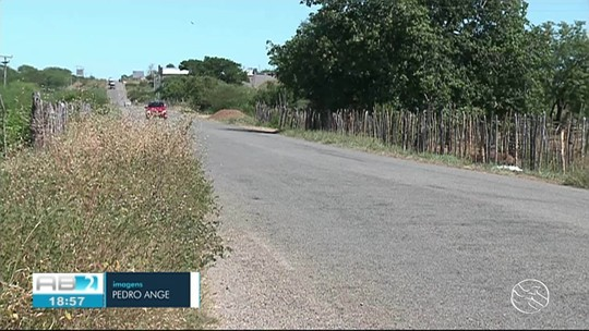 Mulher morre e 7 pessoas ficam feridas após acidente na PE-365, em Serra Talhada
