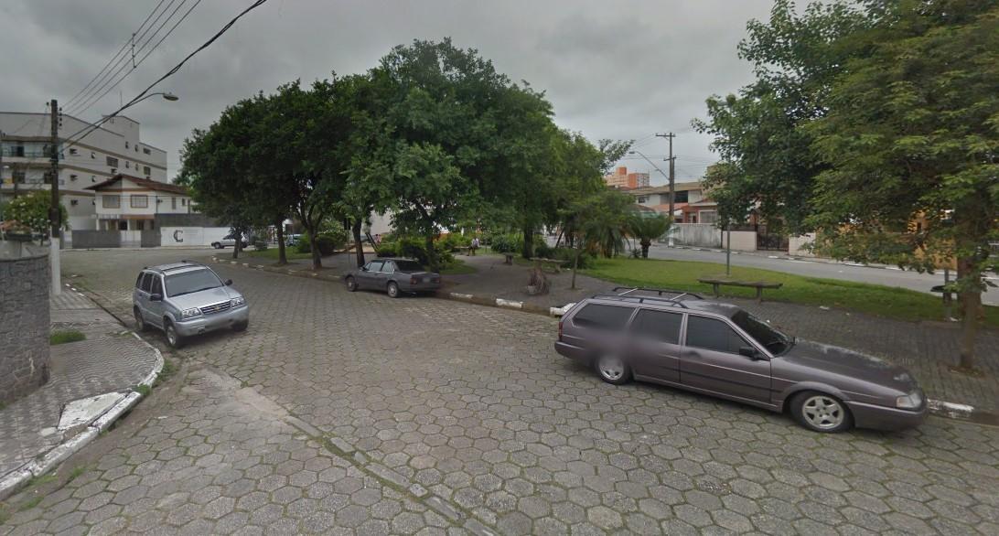 Adolescente é detido com arma de fogo ao tentar fugir da PM em São Vicente, SP - Notícias - Plantão Diário