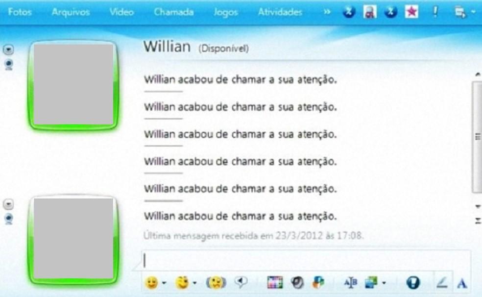 MSN Messenger tremia a tela ao chamar a atenção de um amigo — Foto: Divulgação/MSN