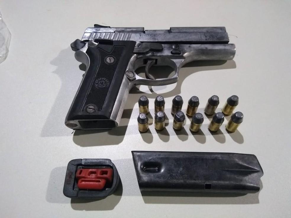 Arma apreendida após ação da polícia — Foto: Polícia Civil/Divulgação