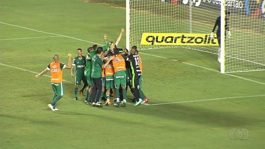 Goiás vence Boa Esporte nos pênaltis e avança; veja