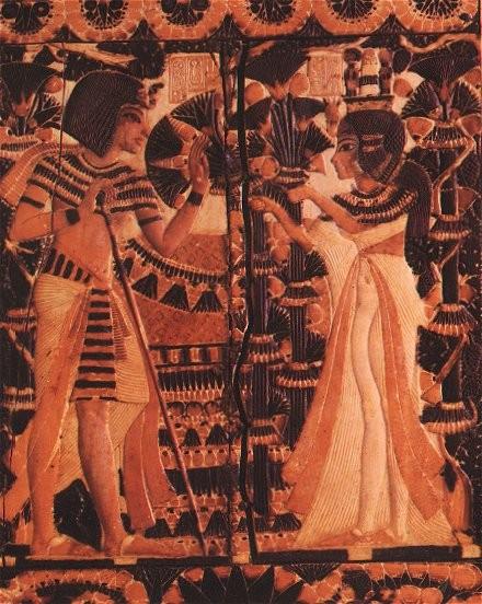 Anchesenamon dá flores de presente a Tutancâmon em retrato (Foto: Wikimedia)