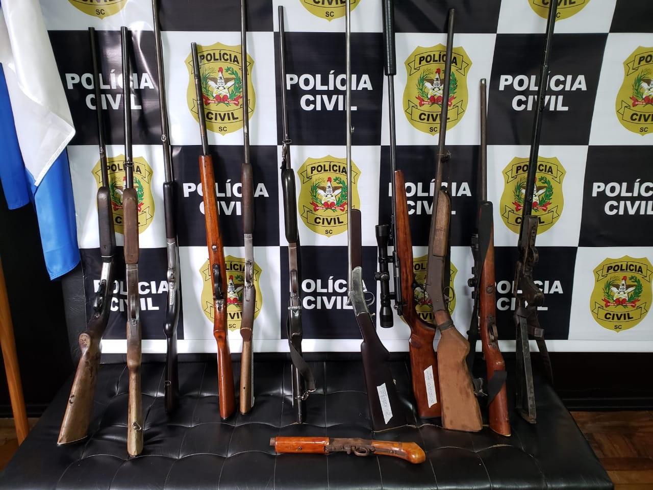 Polícia de SC prende 5 em operação contra comércio ilegal de armas na região de fronteira com a Argentina - Notícias - Plantão Diário
