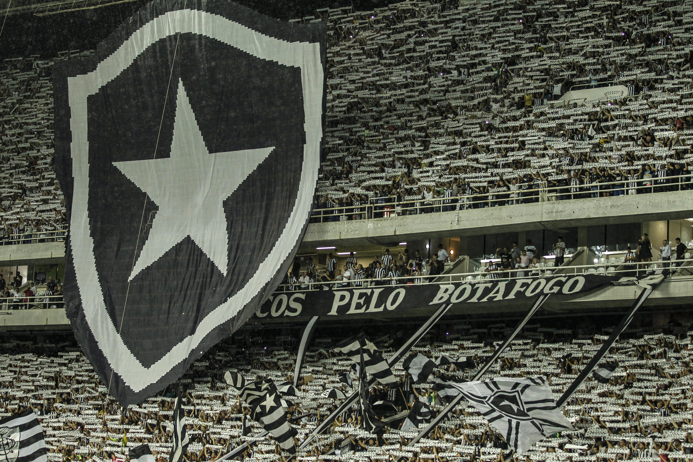 Botafogo e Estudiantes no Nílton Santos pela Libertadores