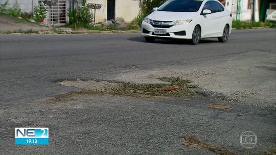 Motoristas reclamam de buracos na Estrada de Aldeia