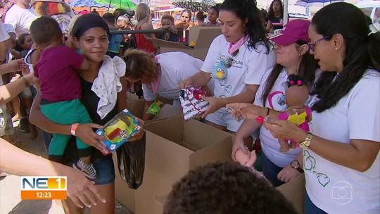 Natal Solidário entrega 2 mil brinquedos para crianças em Araçoiaba