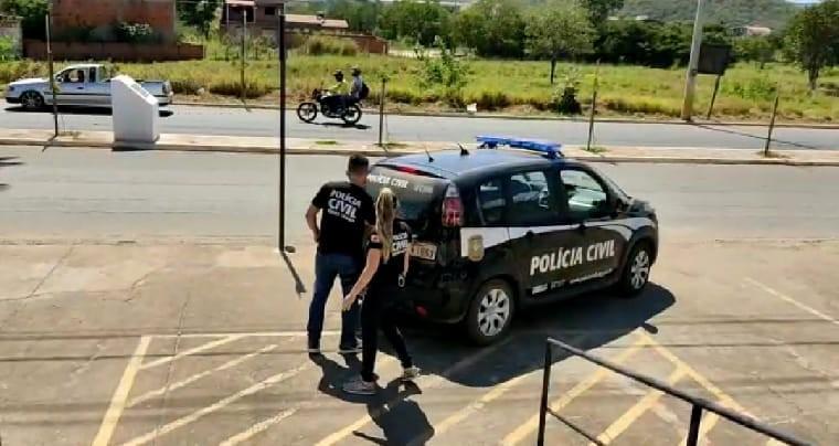 Homem é preso após denúncia de que escola estava sendo furtada e usada como local para consumo de drogas em Salinas