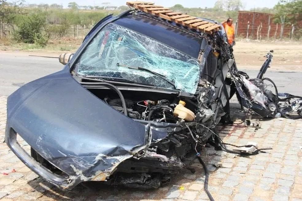 Acidente aconteceu na manhã desta segunda-feira (12) (Foto: Raimundo Mascarenhas/ Calila Notícias)