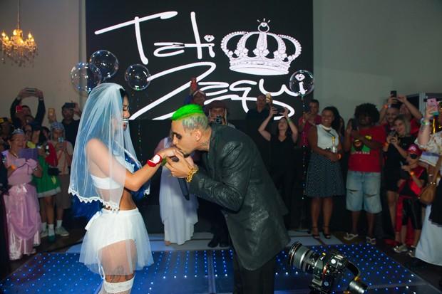Tati Zaqui e Mc Kauan (Foto: Samuel Chaves/Brazil News)