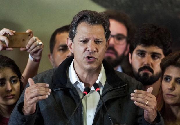 O candidato à Presidência da República, Fernando Haddad, durante discurso após resultado do primeiro turno das eleições.  (Foto: Marcelo Camargo/Agência Brasil)