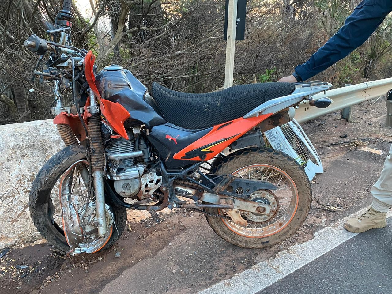 Motociclista morre após carro colidir de frente com moto na BR-010