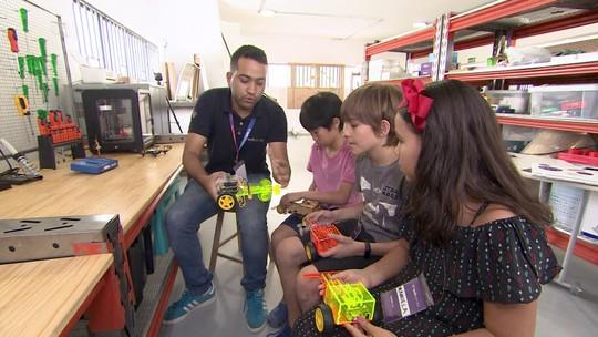 Curso de férias tecnológico diverte e ensina crianças por meio da tecnologia