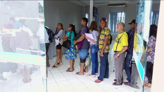 Filas de pedidos de benefícios continuam paradas nos postos do INSS